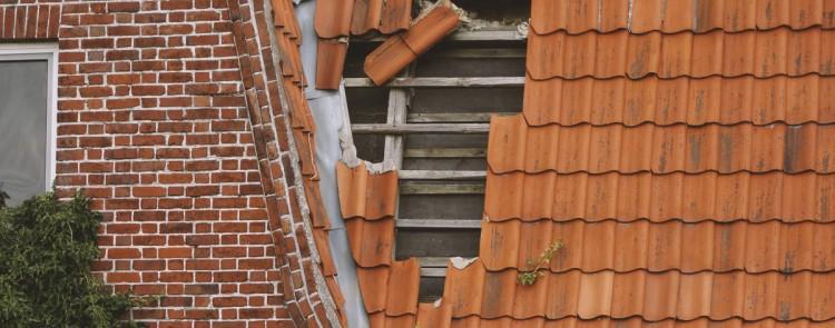 Trennung: Notwendige Dachsanierung am gemeinsamen Haus muss von beiden Ehepartnern bezahlt werden