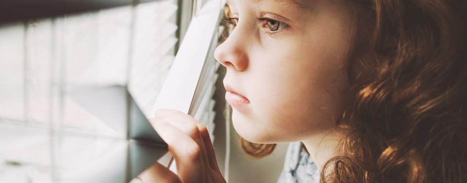 Familiengericht kann strenge Vorgaben für Umgang eines Sexualstraftäters mit Kind der Lebensgefährtin machen
