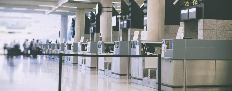 Muss eine Airline den Schalter für verspätete Fluggäste öffnen?