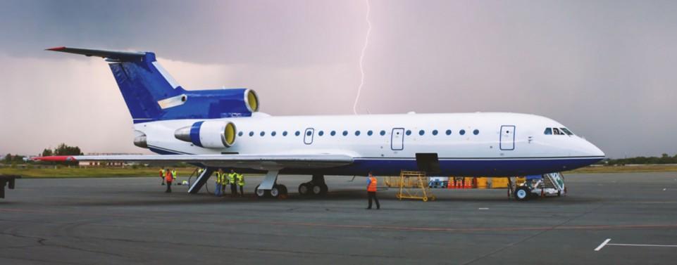 Keine Ausgleichszahlung bei Flugverspätung wegen Blitzschlag