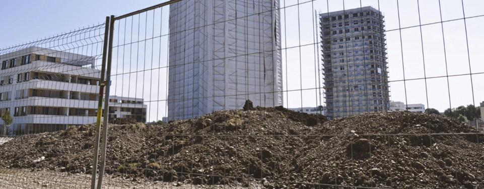 Bauunternehmer haftet für Schaden durch umgestürzten Bauzaun