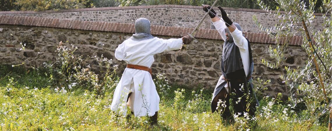 Kein Schadensersatz für Verletzung bei Mittelalter-Kampfszene