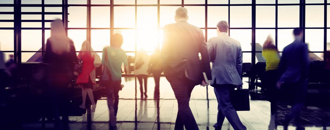 Bonusmeilen, Arbeitszeit & Überstunden: Geschäftsreisen rechtlich gesehen