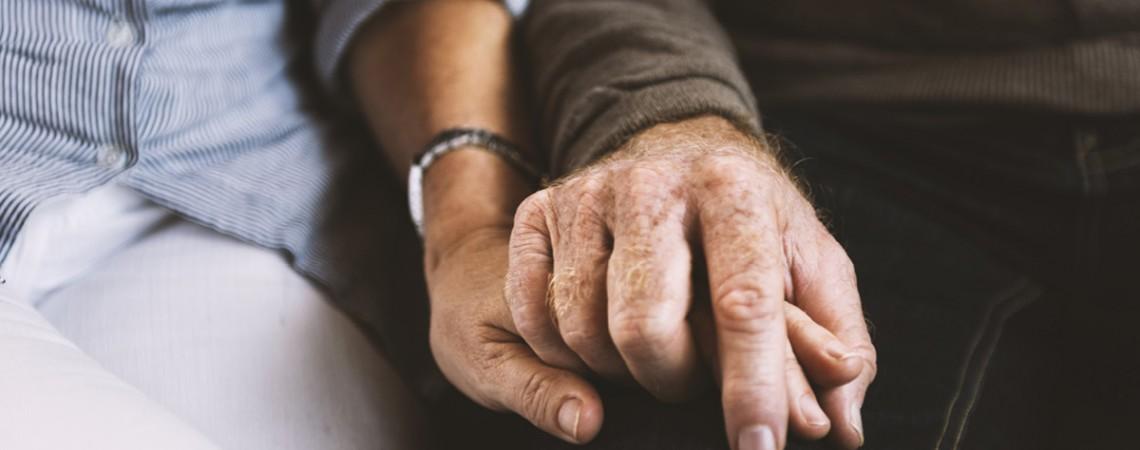 Wie sich Pflege & Beruf miteinander vereinbaren lassen