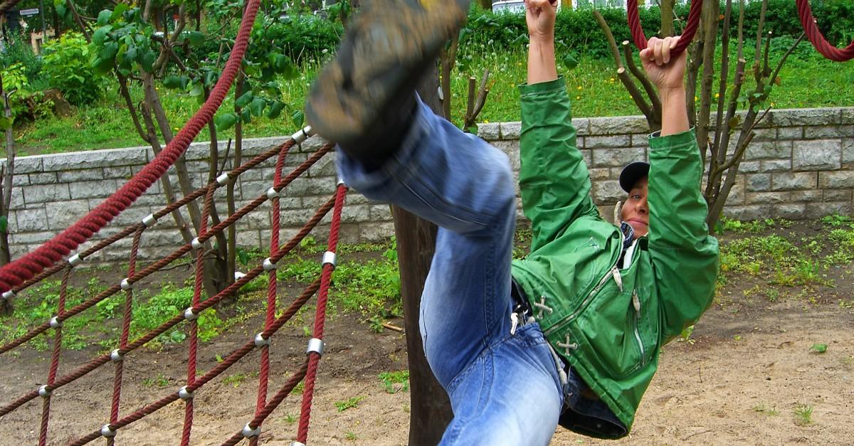 Klettergerüst Hangeln : Sturz vom klettergerüst: haftet die gemeinde für spielplatzunfälle